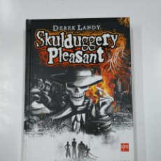 Libros de segunda mano: SKULDUGGERY PLEASANT. UN DETECTIVE PARA MORIRSE.- DEREK LANDY. SM. TDK333. Lote 140159726