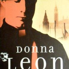 Libros de segunda mano - Mientras Dormían. Donna Leon. - 143320702