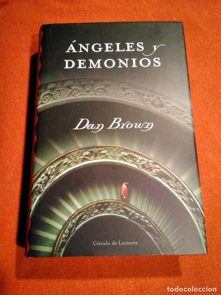 Libros de segunda mano: DAN BROWN _ ANGELES Y DEMONIOS - Foto 1 - 146598010