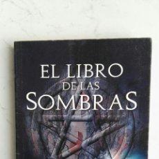 Libros de segunda mano: EL LIBRO DE LAS SOMBRAS MIGENE. Lote 147789029