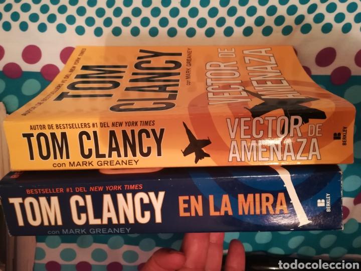 Libros de segunda mano: Dos libros de Tom Clancy con Mark Greaney En la mira y Vector de amenaza. Con 948+837 páginas - Foto 3 - 150825692