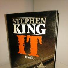 Libros de segunda mano: IT (ESO) - STEPHEN KING - PLAZA Y JANES ÉXITOS - PRIMERA EDICIÓN. Lote 211439411