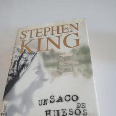 Libros de segunda mano: UN SACO DE HUESOS - STEPHEN KING - PLAZA & JANÉS EDITORES, S.A., 1ªED. 1998.. Lote 156787410