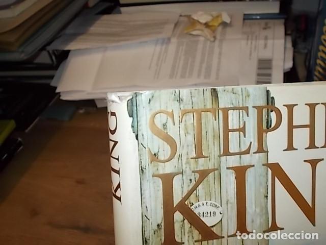 Libros de segunda mano: STEPHEN KING. CORAZONES EN LA ATLÁNTIDA. PLAZA & JANÉS. 1ª EDICIÓN 1999. EXCELENTE EJEMPLAR. FOTOS. - Foto 10 - 160073994