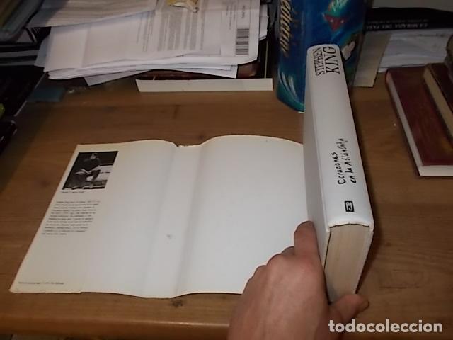 Libros de segunda mano: STEPHEN KING. CORAZONES EN LA ATLÁNTIDA. PLAZA & JANÉS. 1ª EDICIÓN 1999. EXCELENTE EJEMPLAR. FOTOS. - Foto 11 - 160073994