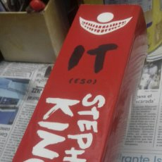Libros de segunda mano: STEPHEN KING. IT. ESO. TAPA BLANDA. Lote 237190830