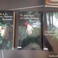 Libros de segunda mano: TRILOGIA DEL BAZTAN, DOLORES REDONDO. EDICION GRANDE. COMO NUEVA. Lote 179247310