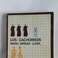 Libros de segunda mano: LOS CACHORROS MARIO VARGAS LLOSA. Lote 179334728