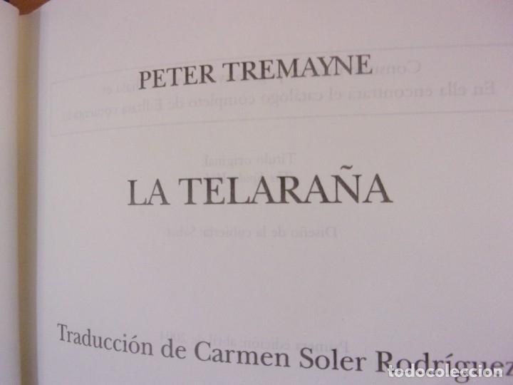 Libros de segunda mano: A TELARAÑA / PETER TREMAYNE / 1ª EDICIÓN 2004. EDHASA - Foto 2 - 179953550