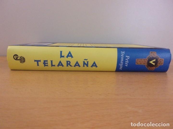 Libros de segunda mano: A TELARAÑA / PETER TREMAYNE / 1ª EDICIÓN 2004. EDHASA - Foto 4 - 179953550
