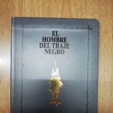 Libros de segunda mano: EL HOMBRE DEL TRAJE DE NEGRO DE STEPHEN KING. Lote 184095802