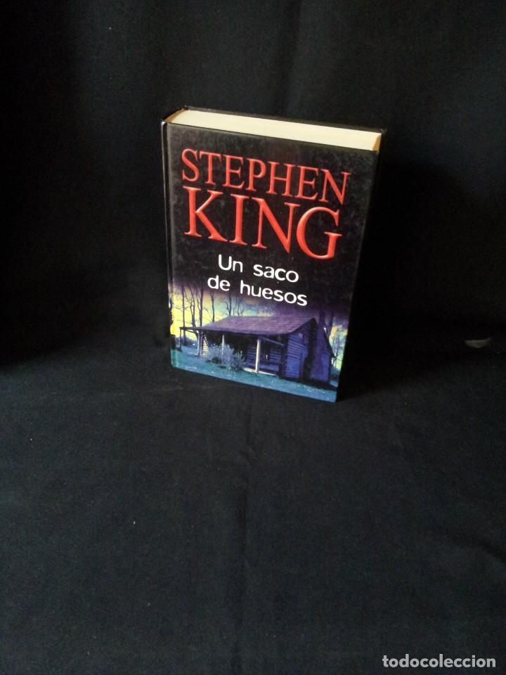 STEPHEN KING - UN SACO DE HUESOS - RBA EDITORES 2004 (Libros de segunda mano (posteriores a 1936) - Literatura - Narrativa - Terror, Misterio y Policíaco)