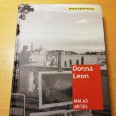 Libros de segunda mano: MALAS ARTES (DONNA LEON). Lote 191937648