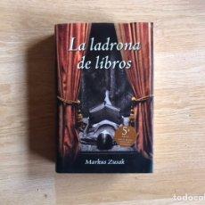 Libros de segunda mano: LA LADRONA DE LIBROS . MARKUS SUZAK. Lote 193575782