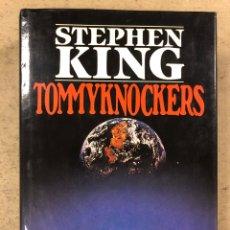 Libros de segunda mano: TOMMYKNOCKERS. STEPHEN KING. PLAZA & JANÉS EDITORES 1989 (1ªEDICIÓN). TAPA DURA CON SOBRECUBIERTA. Lote 206138376