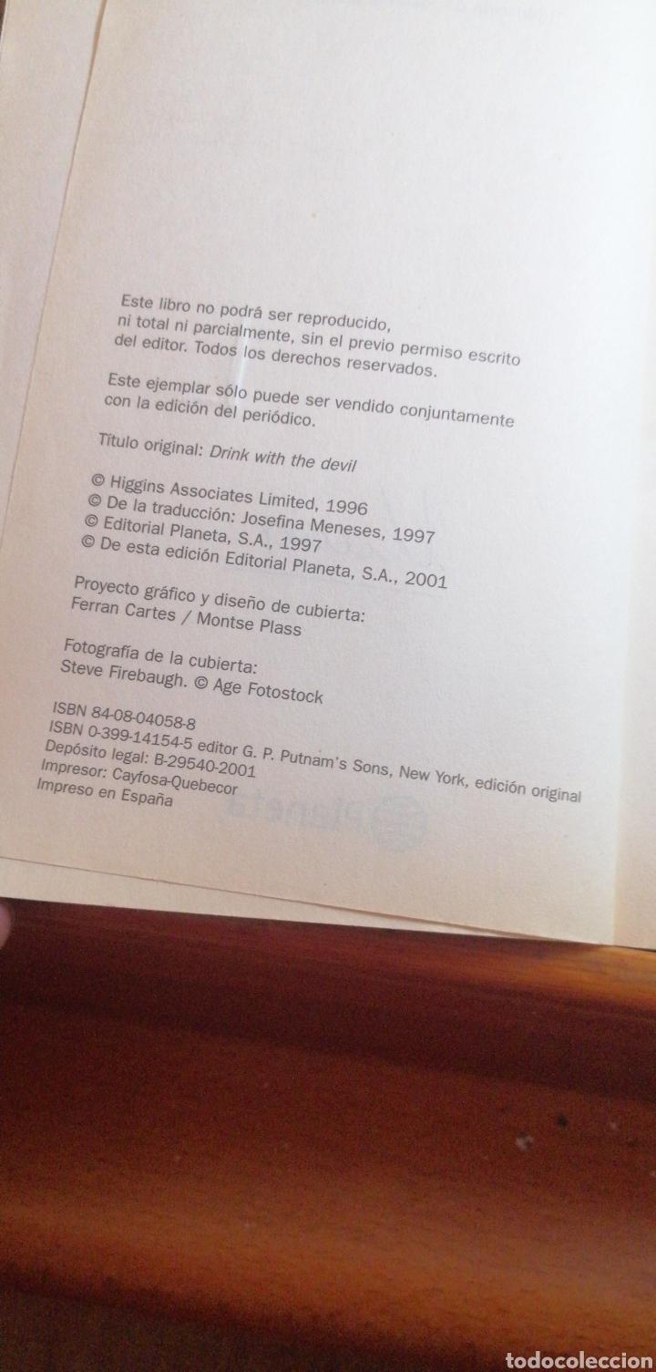 Libros de segunda mano: UN PACTO CON EL DIABLO DE JACK HIGGINS - Foto 2 - 215979056