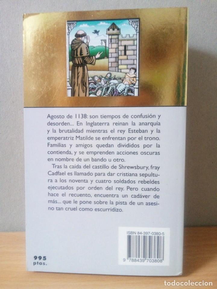 Libros de segunda mano: LOTE DE 17 LIBROS DE EL MONJE DETECTIVE DE ELLIS PETERS - Foto 7 - 216902673
