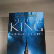 Livros em segunda mão: LA LLEGADA DE LOS TRES. LA TORRE OSCURA II - STEPHEN KING. PRIMERA EDICIÓN 2007 P&J. Lote 218388285