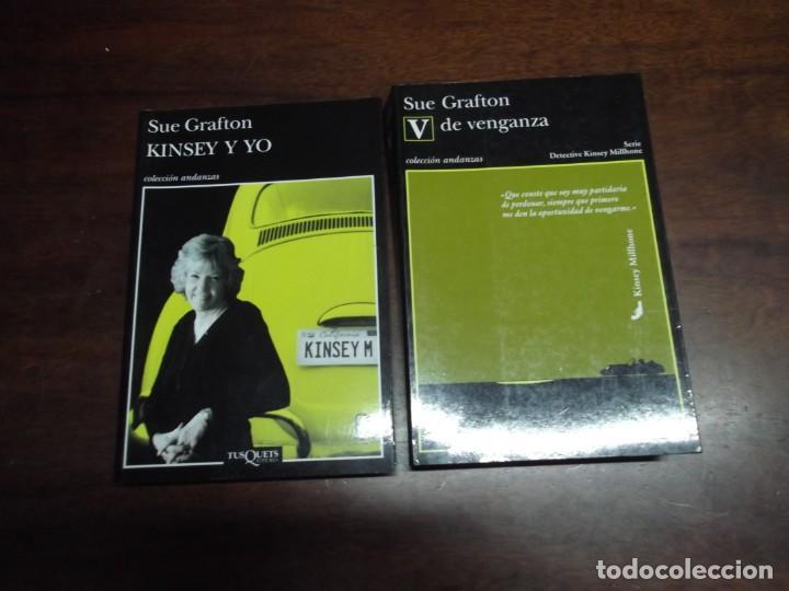 Libros de segunda mano: 2 Libros de Sue Grafton (Kinsey y yo y V de venganza) - Foto 5 - 221280142