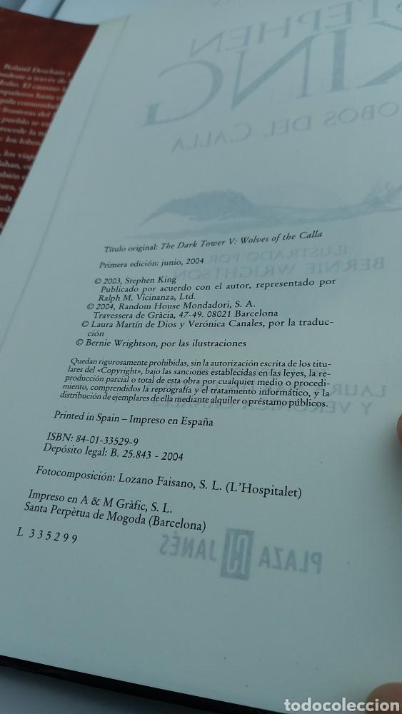 Libros de segunda mano: LIBRO STEPHEN KING - LA TORRE OSCURA V LOBOS DEL CALLA - PLAZA JANÉS - PRIMERA EDICIÓN 2004 - Foto 3 - 221488511