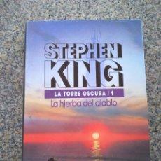 Libros de segunda mano: LA TORRE OSCURA 1 - LA HIERBA DEL DIABLO -- STEPHEN KING -- CIRCULO 1990 --. Lote 227047910