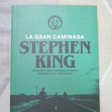 Libros de segunda mano: STEPHEN KING, LA GRAN CAMINADA, MALES HERBES, EDICIO EN CATALA LITERATURA DE TERROR. Lote 243624040