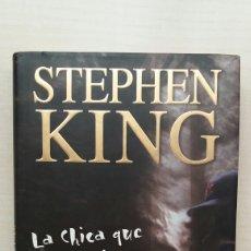 Libros de segunda mano: LA CHICA QUE AMABA A TOM GORDON. STEPHEN KING. PLAZA Y JANÉS, PRIMERA EDICIÓN, 2000.. Lote 245524910