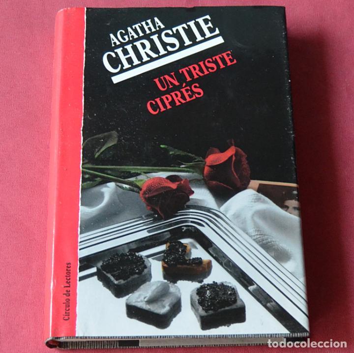 UN TRISTE CIPRES - AGATHA CHRISTIE (Libros de segunda mano (posteriores a 1936) - Literatura - Narrativa - Terror, Misterio y Policíaco)