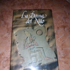 Libros de segunda mano: LA DAMA DEL NILO PAULINE GEDGE. Lote 246188860