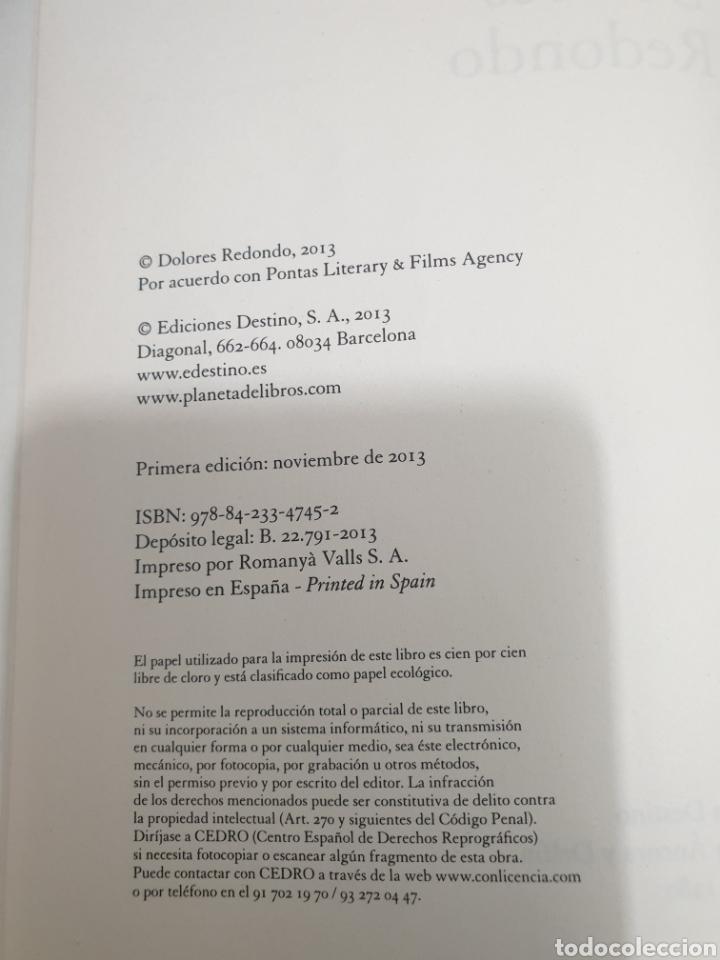 Libros de segunda mano: Legado en los huesos, dolores Redondo, 2013 - Foto 7 - 254905610