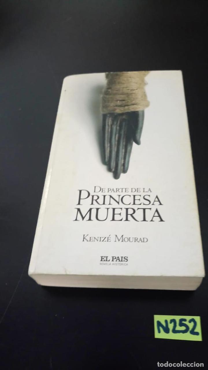 DE PARTE DE LA PRINCESA MUERTA (Libros de segunda mano (posteriores a 1936) - Literatura - Narrativa - Terror, Misterio y Policíaco)
