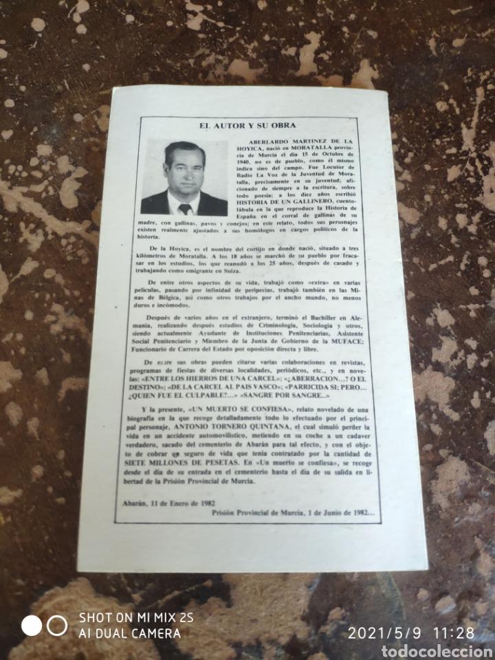 Libros de segunda mano: UN MUERTO SE CONFIESA (ABELARDO MARTÍNEZ DE LA HOYICA) - Foto 2 - 262035950
