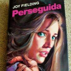 Libros de segunda mano: JOY FIELDING. PERSEGUIDA.. Lote 271135183