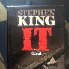 Libros de segunda mano: STEPHEN KING. IT (ESO) PRIMERA EDICIÓN 1987 PLAZA & JANES. Lote 295907878