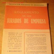 Libros de segunda mano: ANTIGUO LIBRO - REGLAMENTO DE LOS JURADOS DE EMPRESA - DELEGACIÓN NACIONAL DE SINDICATOS. AÑO 1956.. Lote 1858482