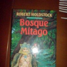 Libros de segunda mano: FANTASIA CIRCULO LECTORES ROBERT HOLDSTOCK BOSQUE MITAGO. Lote 11360018