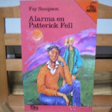 Libros de segunda mano: ALARMA EN PATTERICK FELL (FAY SAMPSON). Lote 19122355