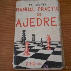Libros de segunda mano: MANUAL PRACTICO DE AJEDREZ ( W. HOOPER ) EDITADO EN 1939 CURIOSIDAD EN LAS TAPAS VER FOTOS. Lote 26561299