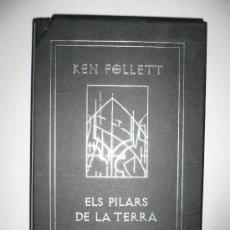 Libros de segunda mano: LIBRO DE LECTURA ELS PILARS DE LA TERRA, EN CATALÁN, EDICIÓN DE LUJO KEN FOLLETT. Lote 26642979