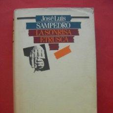 Libros de segunda mano: LA SONRISA ETRUSCA - JOSE LUIS SAMPEDRO. Lote 29398606