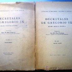 Libros de segunda mano: DECRETALES DE GREGORIO IX VERSION MEDIEVAL ESPAÑOLA 2 VOLUMENES AÑO 1939-1940.. Lote 33991785