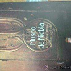 Libros de segunda mano: MUSEO DE NIEBLA. EL PATRIMONIO PERDIDO DE CASTILLA Y LEÓN. Lote 37492902