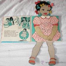 Libros de segunda mano: CURIOSO Y ANTIGUO LIBRO DE MUÑECA CON VESTIDOS. Lote 38658680