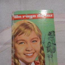 Libros de segunda mano: M69 LIBRO ILUSTRADO DE MARISOL UN RAYO DE SOL NUMERO 1 COLECCION CINEFA EDITORIAL FELICIDAD. Lote 43246816