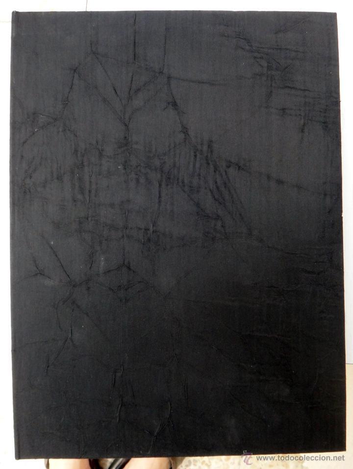 Libros de segunda mano: LIBRO FACSIMIL HORAS DE CARLOS V PIEL CON DORADOS Y ESTUCHE EN TELA, COL MANUSCRITOS MEDIEVALES - Foto 3 - 43964371
