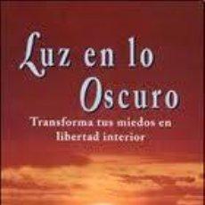 Libros de segunda mano: LUZ EN LO OSCURO, MARY SOL OLBA, EDAF. Lote 46036279