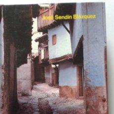 Libros de segunda mano: LIBRO LEYENDAS EXTREMEÑAS. Lote 49781578