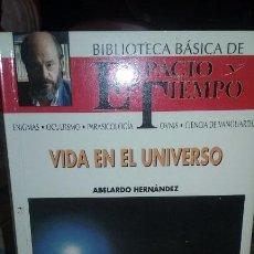 Libros de segunda mano: VIDA EN EL UNIVERSO. AUTOR ABELARDO HERNÁNDEZ . Lote 51733653