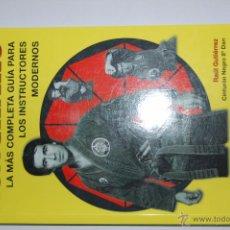 Livros em segunda mão: NUNCHAKU - LA MÁS COMPLETA GUÍA PARA LOS INSTRUCTORES MODERNOS. EDITORIAL ALAS. Lote 53030066