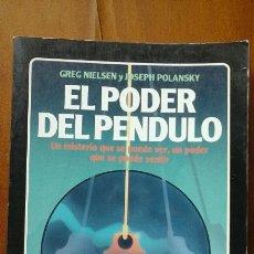 Libros de segunda mano: EL PODER DEL PENDULO.LA TABLA ESMERALDA.. Lote 55710221